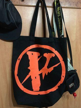 🚚 VLONE Tote Bag