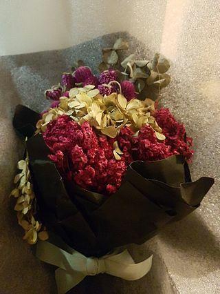 母親節乾花一束 可保持半年 在K11地庫買$780 现售$150