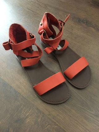 Sandals - Steve Madden - Size 7