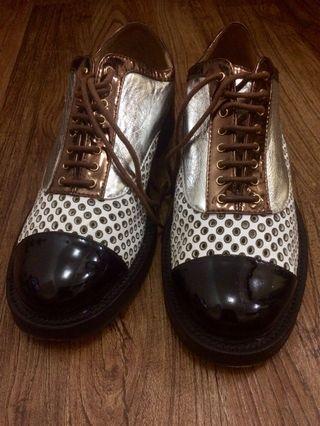 Chanel lizard, Crumpled goatskin & patent calfskin lace ups shoes G32330 2017