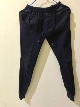 Jogger Pants Hitam #PrelovedWithLove