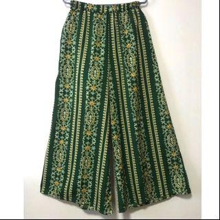 BN-Batik Abstract Palazzo Pants. Size fits 2XL/3XL. New in packaging.