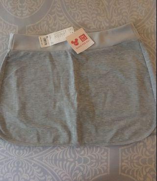 Uniqlo mini skirt/shorts (XL dewasa)