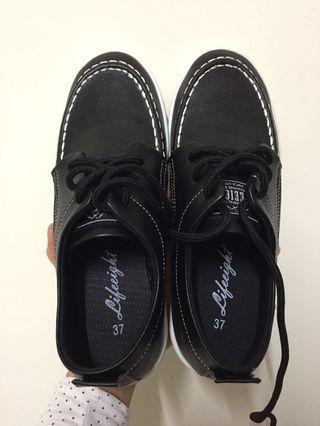 Life8 黑白鞋