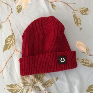 🚚 酒紅微笑圖案毛帽