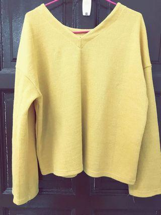 Yellow Garage Top (B0)