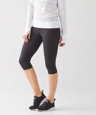 🚚 VEUC Lululemon Tight Stuff Crop II (Size 4)
