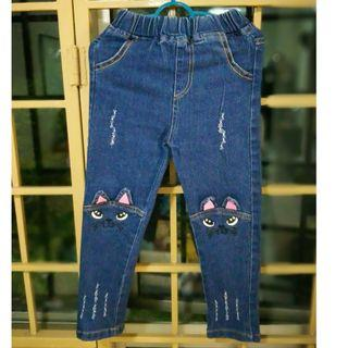 JEANS SIZE 2-4Y