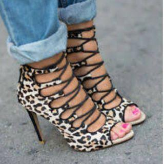 NEW ZARA LEOPARD PRINT FUR FEEL LACE UP BOOTIES- AU8/39