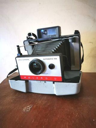 Polaroid Camera Land 104