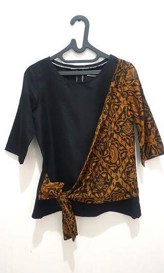 [Preloved] Batik Top