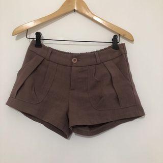 🚚 藕紫西裝短褲