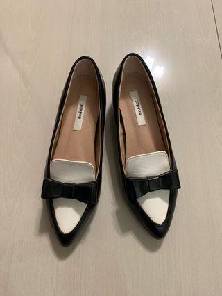 尖頭內增高黑白鞋
