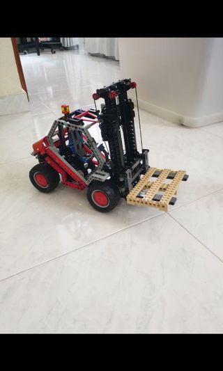 🚚 Lego Technic Forklift 8416