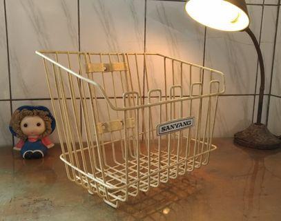 老三陽機車籃(SANYANG)—古物舊貨、早期機車用品配件