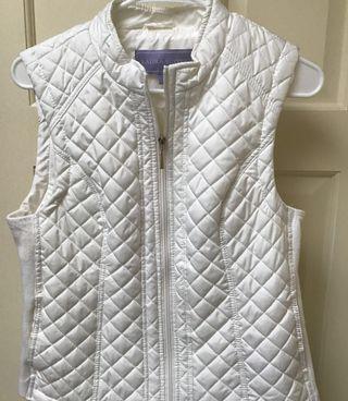 Cream Quilted Vest Medium W/Gold Zipper-pull