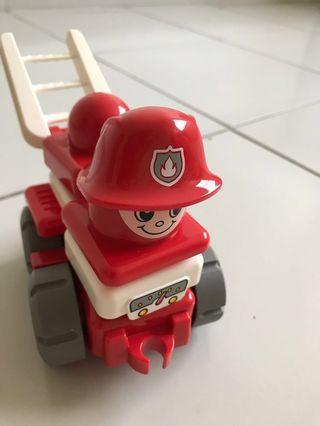 Baby LEGO fire engine not LEGO duplo