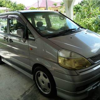 Nissan Serena 2001