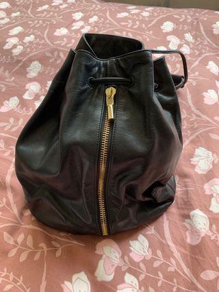 Elizabeth and James bucket backpack 水桶背包
