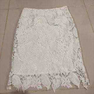 Lowela White Lace crochet skirt in UK8