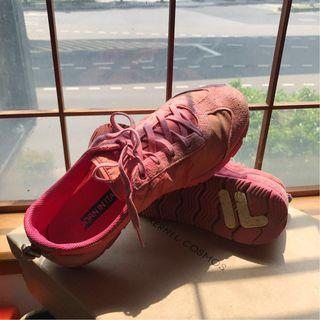 🚚 【全館八折低價出清-5成新】FILA粉紅色運動休閒鞋(超舒服)