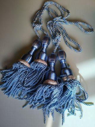 Curtain ties with tassle pairs