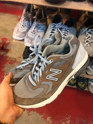 Authentic Preloved New Balance 880 shoes