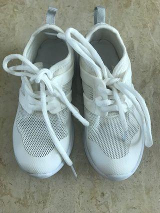 🚚 Shoes white Trainers size 29