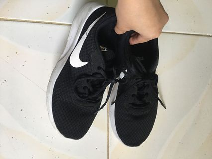 new style 8a7ac 55c37 nike roshe run women | Babies & Kids | Carousell Philippines