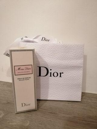 Miss Dior Absolutely Blooming Roller-Pearl 20ml