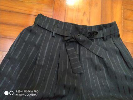 韓風黑色橡筋腰簡條綁帶西裝短褲