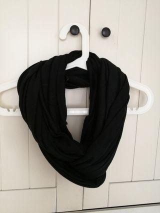 H& M infinity loop black snood scarf (BNWT)