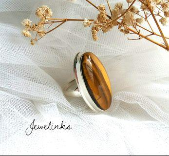 Charming Huge Tiger Eye Ring. Size 7 3/4 (US) 15 (Asia). Set in 925 Sterling Silver.