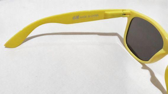 H&M Sunglass yellow