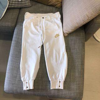 Nike白色運動褲