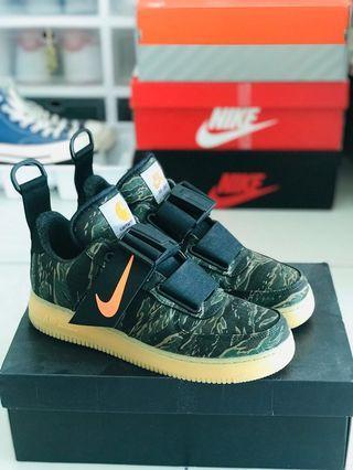Nike Air Force 1 x carhartt
