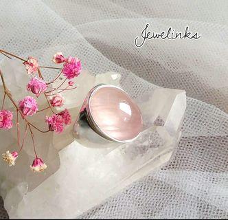 🚚 Lovely Rose Quartz Ring. Size 7 3/4 (US) 15 3/4 (Asia). Set in 925 Sterling Silver.