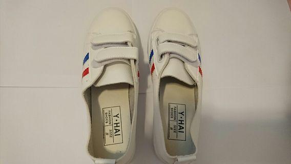 全新休閒鞋