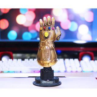 Infinity Stones Thanos Gauntlet Statue