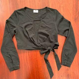 MorningMist Black Wrap Crop Size 6