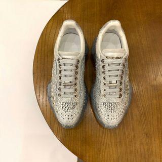 休闲鞋 带钻