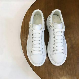麦昆运动鞋