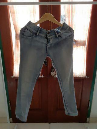 #mauthr Celana blue jeans
