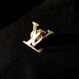 🚚 Bootleg LV Pin in Gold
