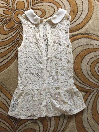 🚚 Forever 21 lace top
