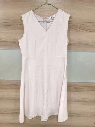 🚚 Uniqlo 粉色洋裝