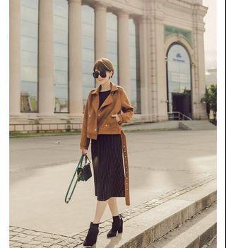 🚚 #半價衣服拍賣會 Aspeed 不規則條紋羊毛A字裙