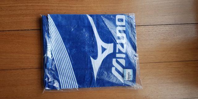 Mizuno sports towel