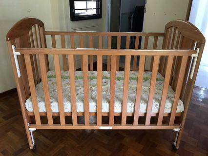 Baby bed and free mattress