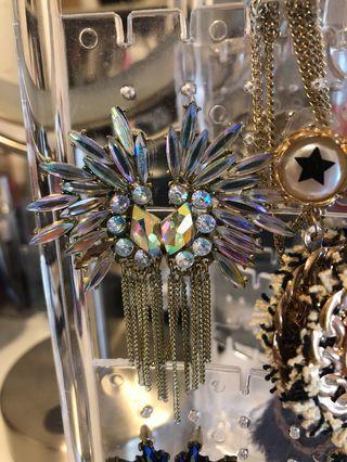 🚚 Clear/Multi colour Earrings